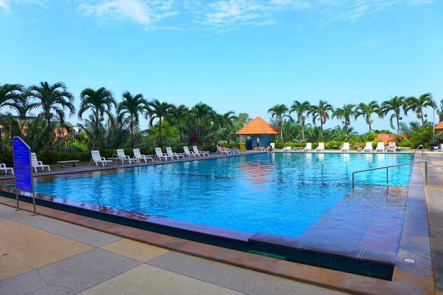Pattaya Beach View Talay 6 Eigentumswohnung, Studio Suite zum Verkauf, Hohe Etage, Ultra Moderner Stil, Hohe Qualitat, 48 qm, Euro Kuche, Bad, voll mobliert, Balkon, Meer- und Stadtblick, in auslandischem Besitz