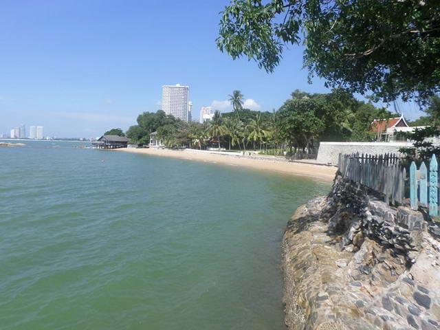 Na Jomtien Beach, erstklassiges Grundstuck am Strand zu verkaufen, 86,4 Rai = 138.240 m2, Gesamtpreis: 4,32 Milliarden Baht (50 Mio. Baht pro Rai)