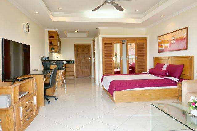 View Talay 2 Condo, Studio Suite zum Verkauf, High Floor, 41 qm, gut ausgestattet und fertig, europaische Kuche, Bad, voll mobliert, Balkon, Meerblick, in auslandischem Besitz